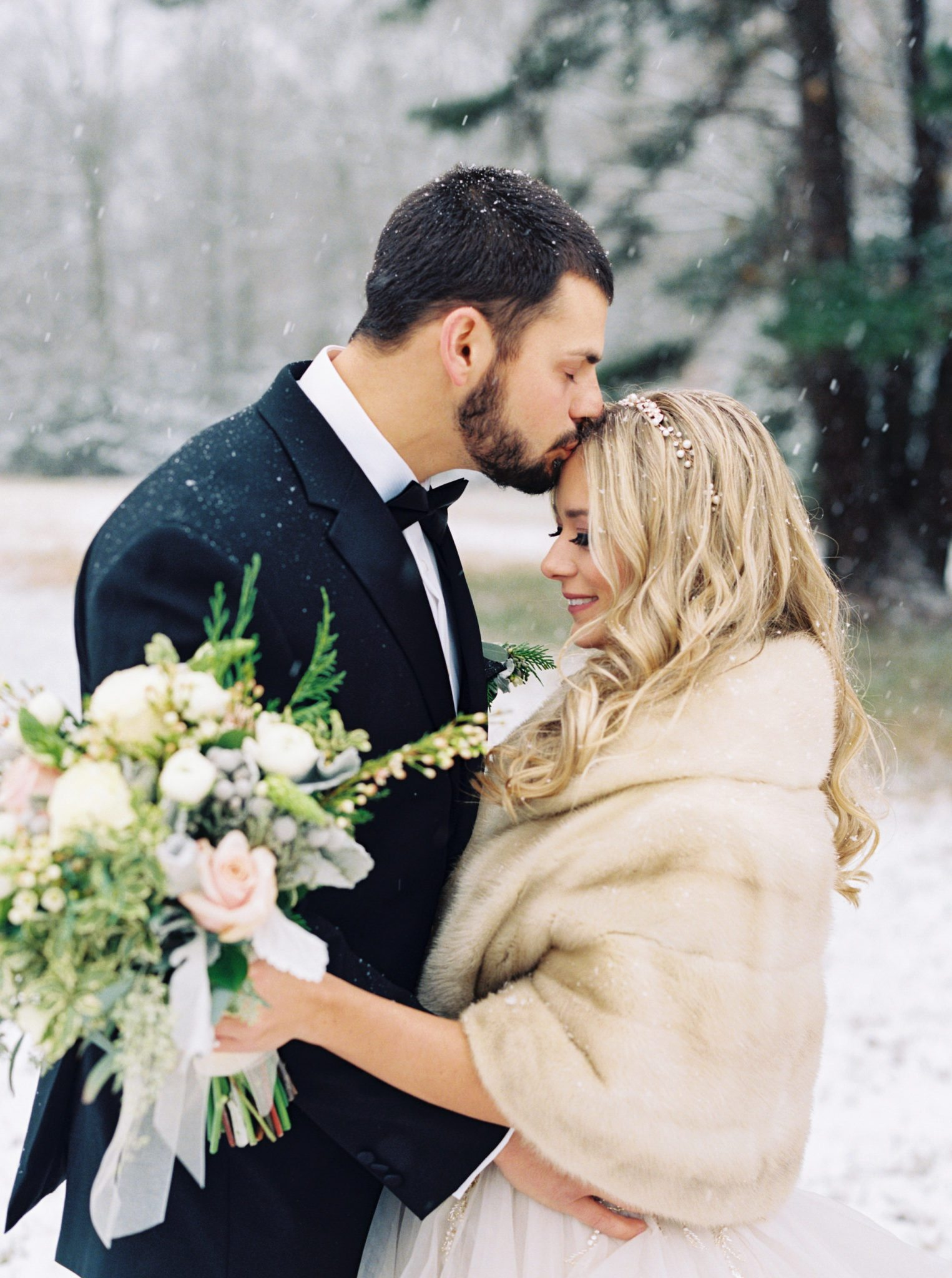 KimStockwellAshleyandMattMoraisVIneyardWedding176 Winter Weddings - A Snow Fairy Tale