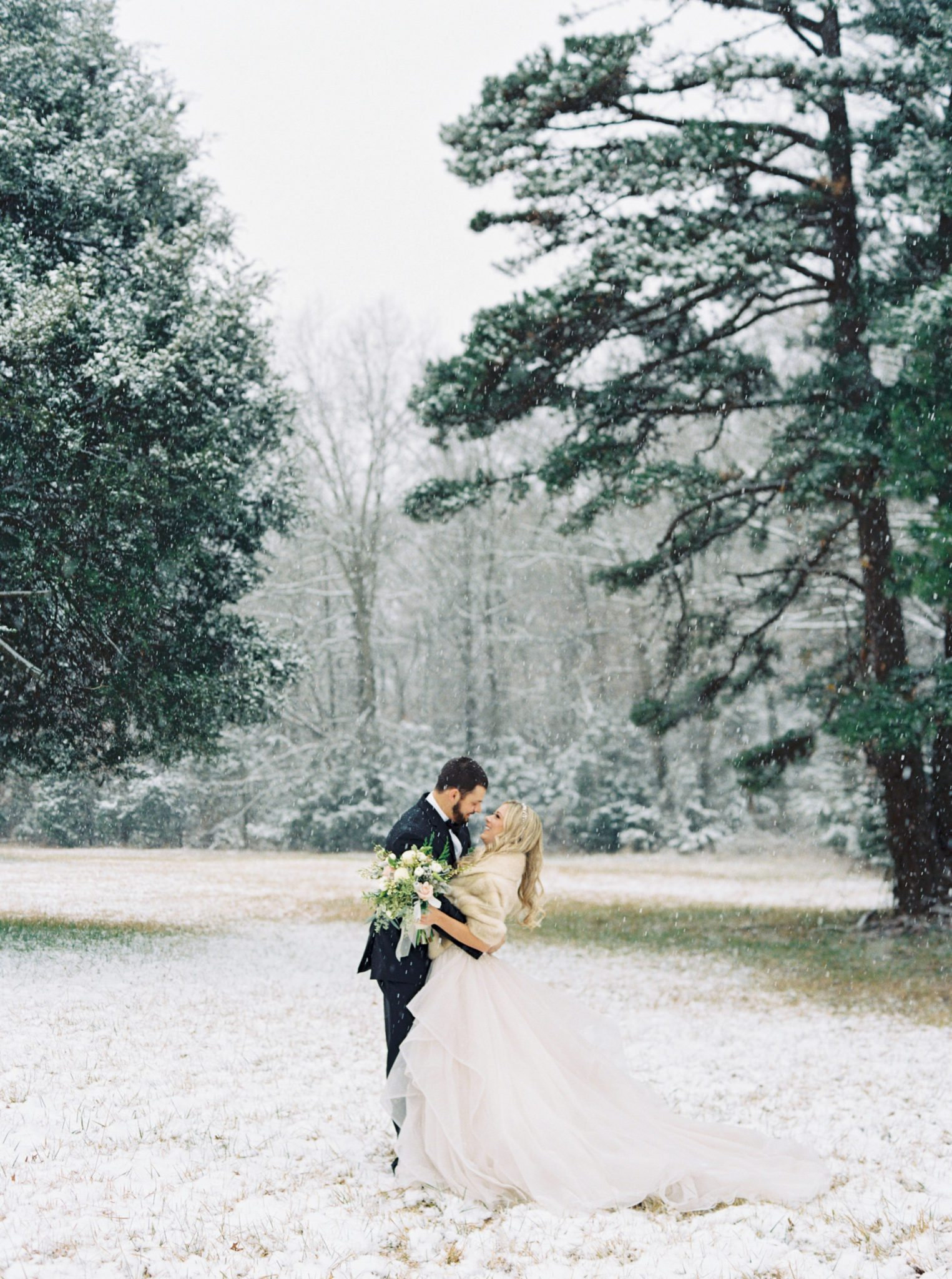 KimStockwellAshleyandMattMoraisVIneyardWedding181 Winter Weddings - A Snow Fairy Tale
