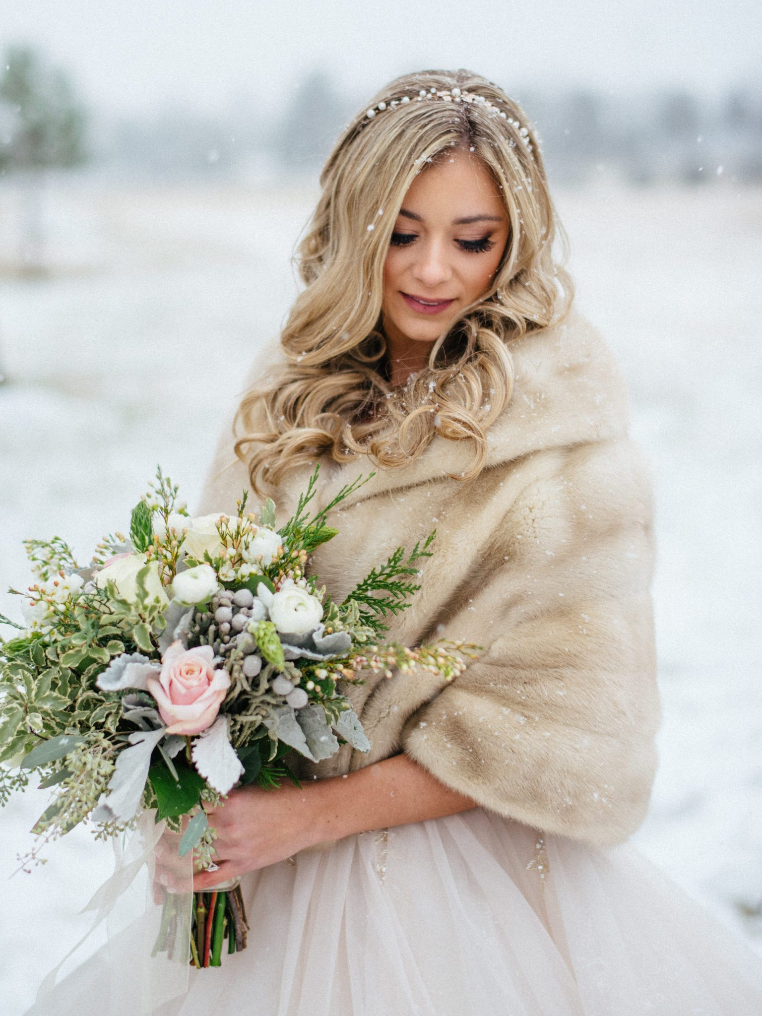 KimStockwellAshleyandMattMoraisVIneyardWedding217 Winter Weddings - A Snow Fairy Tale